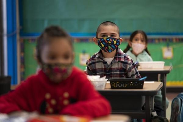 Koronavirüs gölgesinde dünyada eğitim